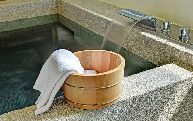 איך לסדר כומתה בעזרת מים חמים