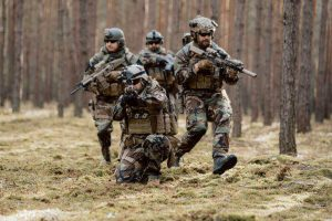 חיילים מתכוננים לקרב
